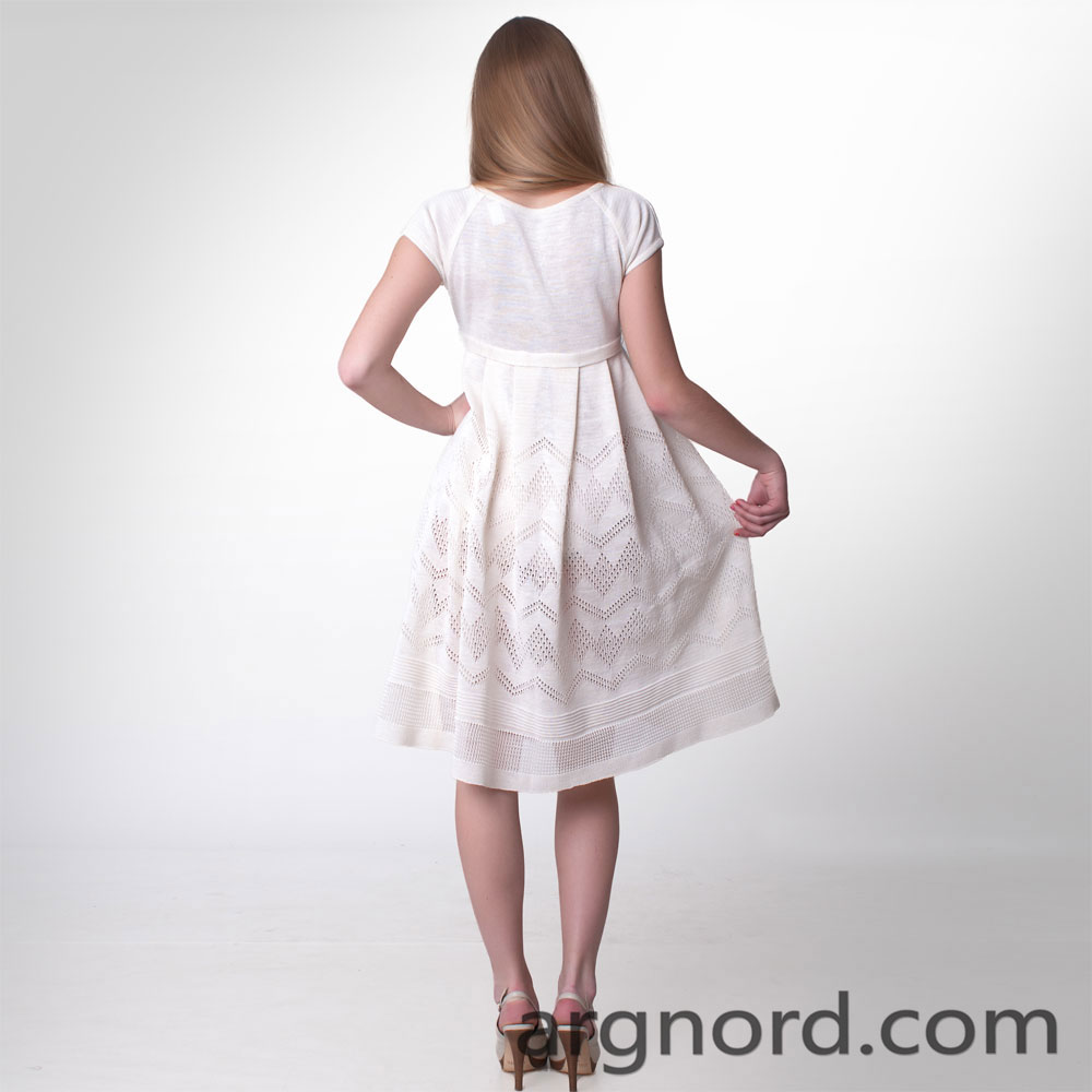 White linen dress with knitted belt and raglan sleeves | 13020