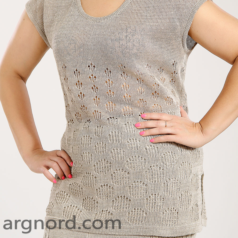 Plus size knitted T-shirt with openwork and round neckline | 15035