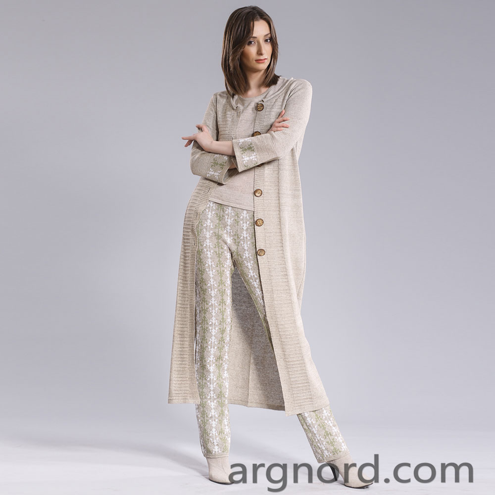 Long cardigan with long sleeves and buttons | 15056