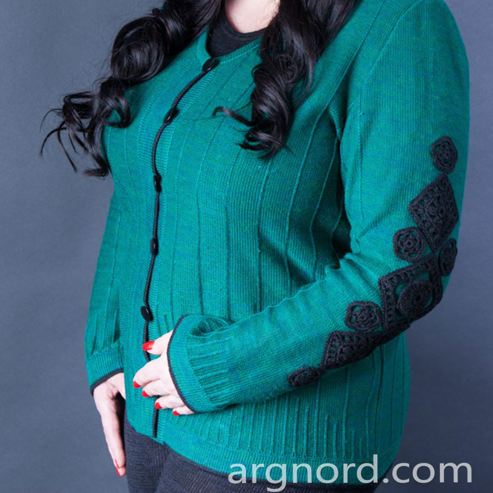 Linen cardigan with embroidery and black buttons | 364-15